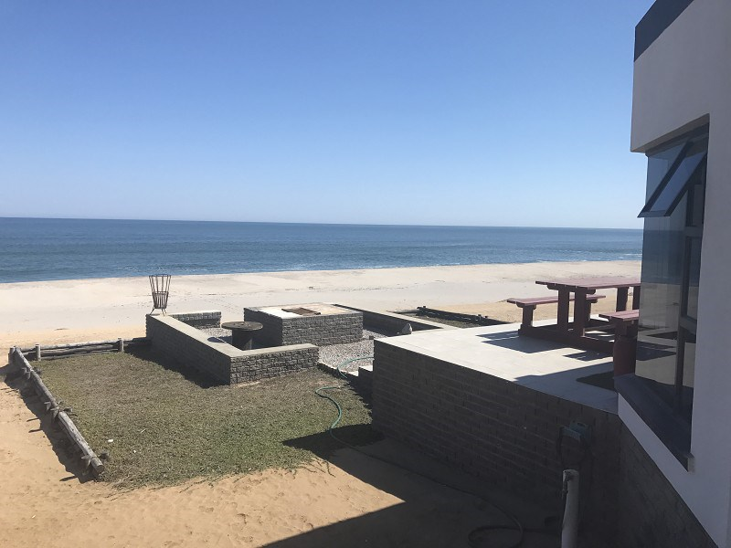 BEACH FRONT PROPERTY TO LET: 1830