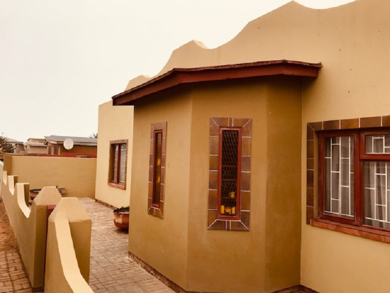5 Bedroom  House for Sale in Henties Bay - Erongo